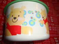 "WINNIE THE POOH TUPPERWARE Storage Canister w/Lid #2708A9 Diameter 6""     Q1"