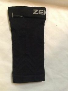 NWOT ZENSAH COMPRESSION LEG SLEEVE SMALL XS/S BLACK~EXTRA SMALL/SMALL~ONE SLEEVE