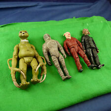 Superbe doctor who 4 figurines.mumy robot, slitheen, cochon, Dalek P1218 hybride