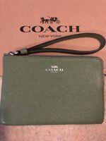 Coach Wristlet Purse Zip Christmas present Zip Clutch Gift Designer