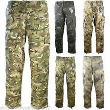 Pantalones de hombre cargo color principal verde