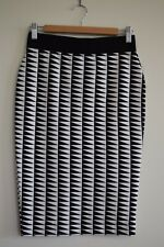 Witchery black and white stretch skirt...size 8...excellent condition