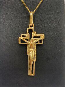 9ct 9k Yellow Gold Crucifix Cross Pendant With Jesus 4.0 Grams. Brand New