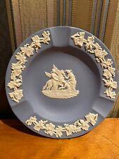 Ascher Aschenbecher Wedgwood Jasperware Blau Relief Ranken