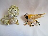 LOT OF 2 VINTAGE GOLD TONE PINS-YELLOW ENAMEL BIRD & PEARLY LION PIN