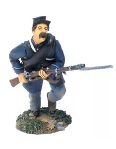 Britain 31048 Union Infantry Charging #2  New Retired and Sold Out