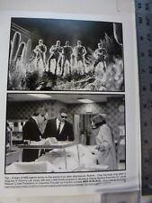 "Vintage Glossy Press Photo Tommy Lee Jones Will Smith Lab ""Men In Black 1997"
