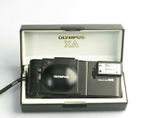 Sucherkamera Olympus XA mit Zukio 1: 2,8 f= 35 mm + Blitz A16