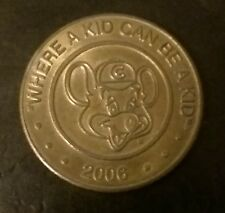 "TOKEN 2006 ""Chuck E. Cheese"" WHERE A KID CAN BE A KID. VIDEO ARCADE TOKEN"