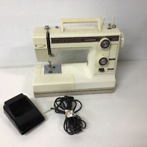 Retro Janome Electric Sewing Machine With Hard Case #417