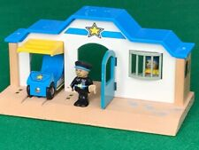BRIO POLICE STATION FIGURES ENGINE for THOMAS & FRIENDS WOODEN RAILWAY train SET