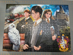 Harry Potter Briefcase 1000 Piece Jigsaw Puzzle. clementoni