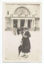 BM949 Carte Photo vintage card RPPC woman Femme mode fashion chapeau Hat paraplu