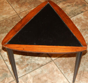 Vintage MCM Arthur Umanoff 1 Triangle Guitar Pick Stack Nest Wood End Table Rare