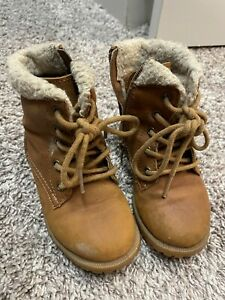 Cat & Jack Size 7 Brown High Top Fuzzy Boots For Winter