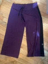 lululemon cropped leggings size 4. Black and Purple Maroon