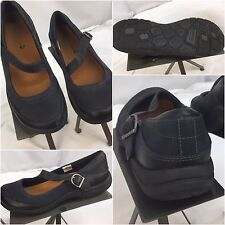 Merrell Sandals Shoes Sz 7.5 Black Leather Strap Buckle EUC YGI E7-10