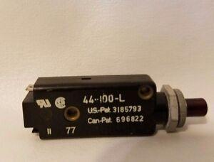 E-T-A ETA 44-100-L Circuit Breaker 250V AC 0.5A 0.5 Amp