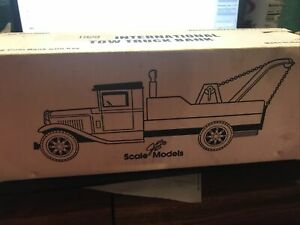 Scale Models 1929 International Tow Truck Bank NOS