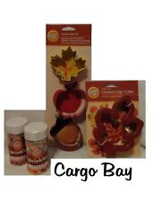 NEW WILTON COOKIE CUTTER APPLE LEAF ACORN FALL THANKSGIVING CUTTERS & SPRINKLES