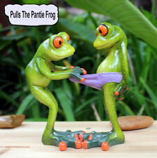 1X Green Frog Figurine Resin Naughty Pulls The Pantie Of Another Frog Collection