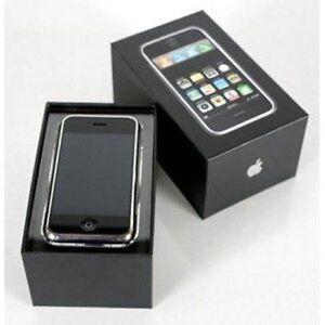 Apple iPhone 3GS 16GB (Black / White ) SIM Free