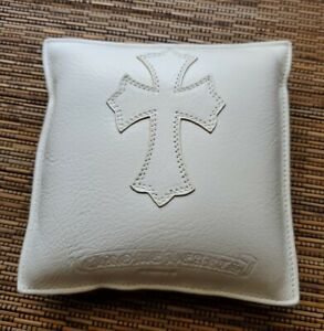 chrome hearts display sunglasses jewelry leather cushion pouch