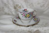 Coloclough Prim Rose Bone China Cup and Saucer .Tasses & Soucoupes.