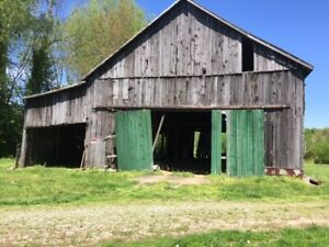 Old Historic Tobacco BARN