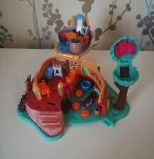 Disney/Bluebird Polly Pocket Pocahontas Powhatan Hut Playset - No Figures