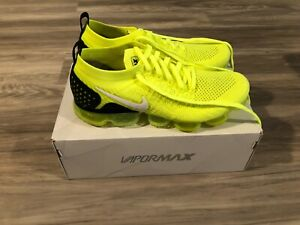 Nike Air Vapormax Flyknit 2 Volt White-Black Mens Size 9.5 Excellent Condition