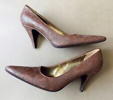 *AS NEW Size 39.5 Prada Brown Embroidered Leather Women's Shoes