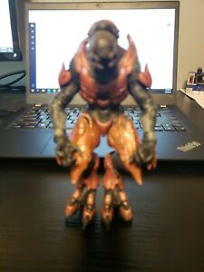 """Genuine Microsoft 2012 Halo 6 1/2"""" Alien Monster Action Figure Toy Only"""