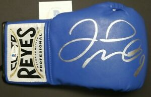 FLOYD MAYWEATHER JR. Signed CLETO REYES Boxing Glove blue. BECKETT WITNESSED