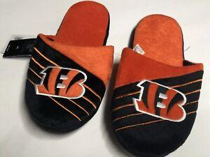 NFL Men's Cincinnati Bengals  Logo Slippers - Sizes:  7-8, 9-10, 11-12, 13-14