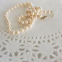 """Vintage 8mm Knotted Faux Pearl Glass White Necklace 18"""" L Patent Gold Tone Clasp"""