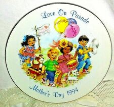 "Avon 1994 Mother's Day Plate ""Love On Parade"" Collectible 5"""