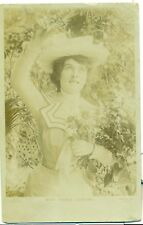 POSTCARD ACTRESSES Miss Madge Lessing