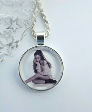 ARIANA GRANDE SINGER NECKLACE 20 INCH DANCE POP MUSIC GIFT BOXED BIRTHDAY PARTY