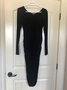 EUC Isabella oliver Size 1 Small - Medium Maternity Dress Black Long-sleeve