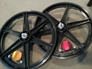 """2NEW BICYCLE MAG RIM REFLECTORS FOR 20"""" MAGS SHOWN IN PICTURES (reflectors only)"""