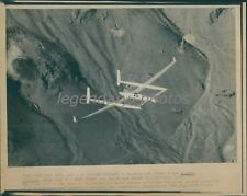 1986 Voyager Aircraft Test Flight Over the Mojave Desert Original Wirephoto