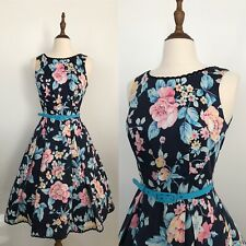 Review - I Believe in Florals Dress - Size 6