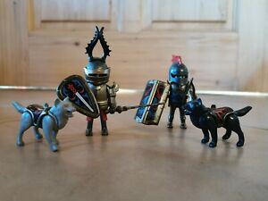 Playmobil Wolfsritter   2 Ritter + 2 Wölfe