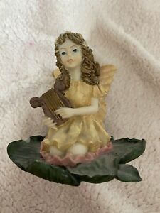 Beautifully Hand-painted Fairy Ornament Collectable by Dezine 31114