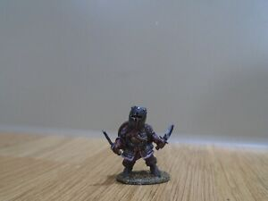 DENIZEN MINIATURES DW15 Dwarf chainmail & 2 swords painted fantasy metal mini