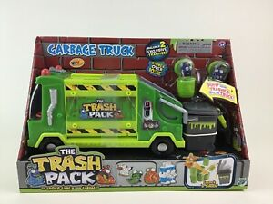 The Trash Pack Garbage Truck with 2 Exclusive Trashies Toy Figures Moose New