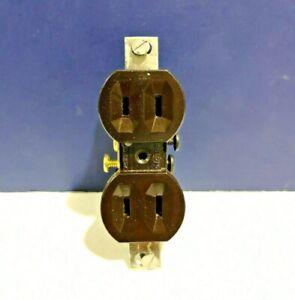 4-PK Narrow Ears PAULDING Single DUPLEX RECEPTACLE Parallel Slots 141-B NEW