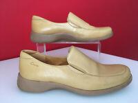 Clarks Leather Flat Heel Loafer Casual Slip On Shoes Size UK 5 EUR 38