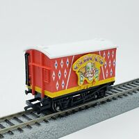 Hornby OO Thomas & Friends Red Blue Star Circus Van - Bachmann Compatible HO